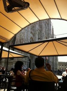 大聖堂脇のカフェから
